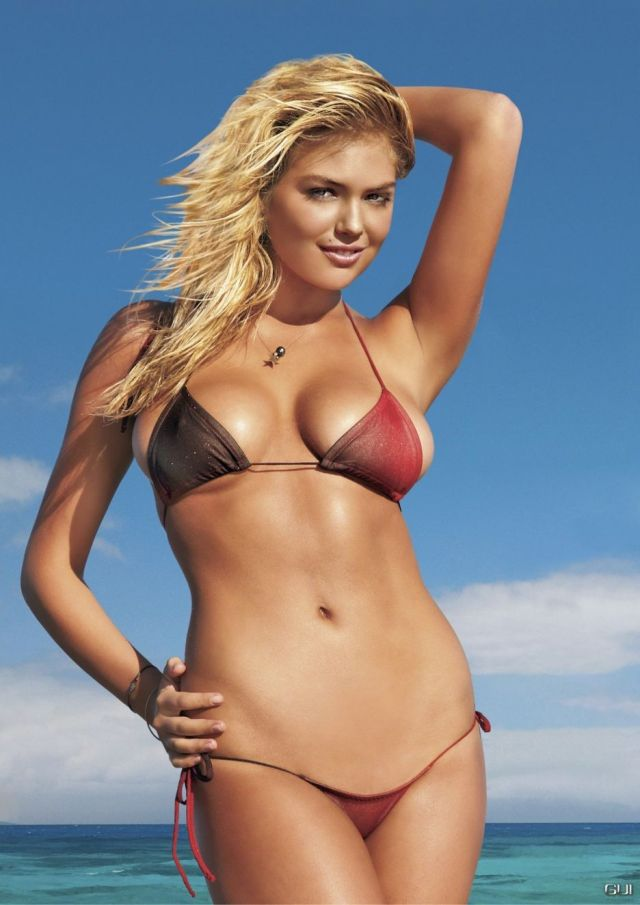 Kate Upton cleavages hot