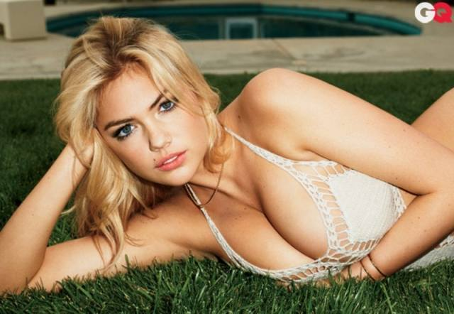 Kate Upton cleavages