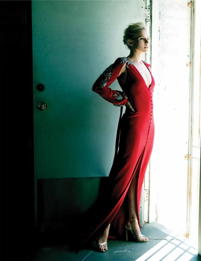 Kristen Bell sexy red gown