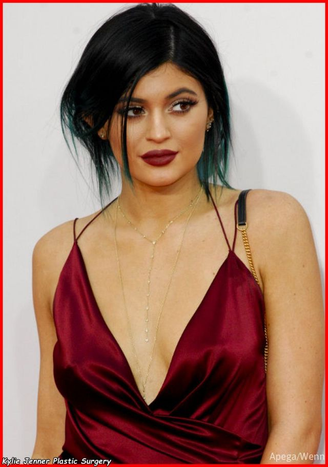 Kylie Jenner too hot photo