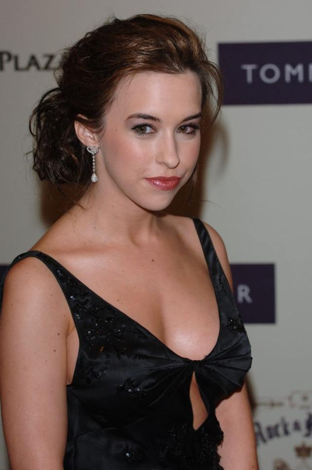 Lacey Chabert Sexy Boobs