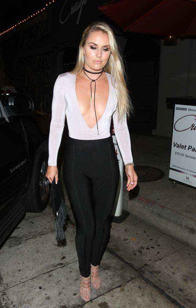 Lindsey Vonn cleavages sexy pic
