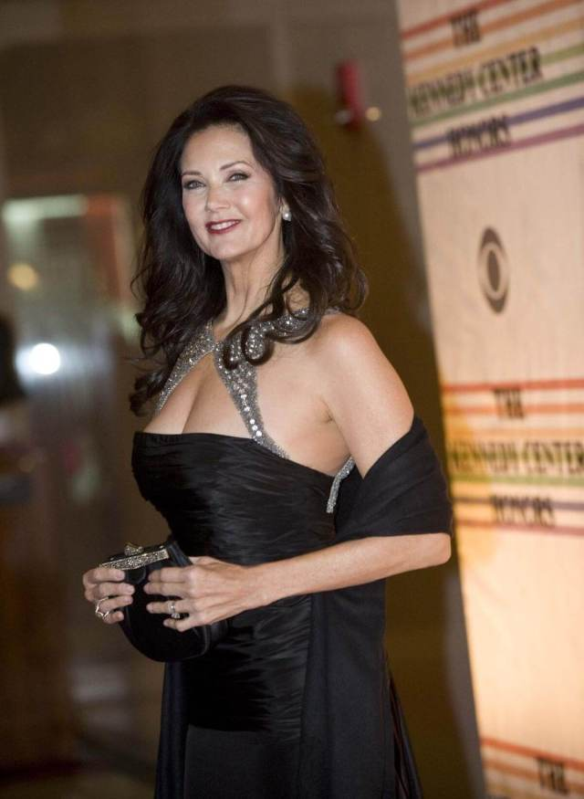 Lynda Carter sexy photo (2)