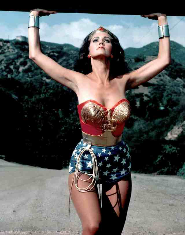 Lynda Carter sexy picture (2)