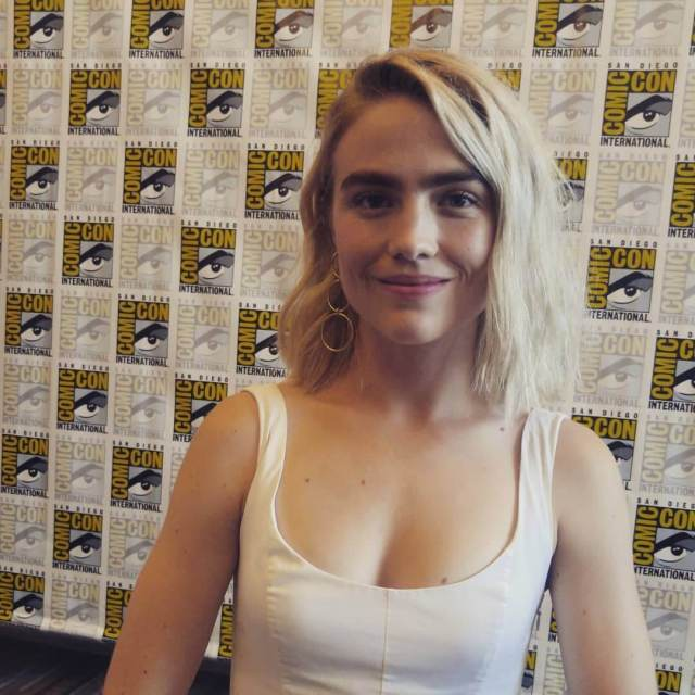 Maddie Hasson hot boobs (3)