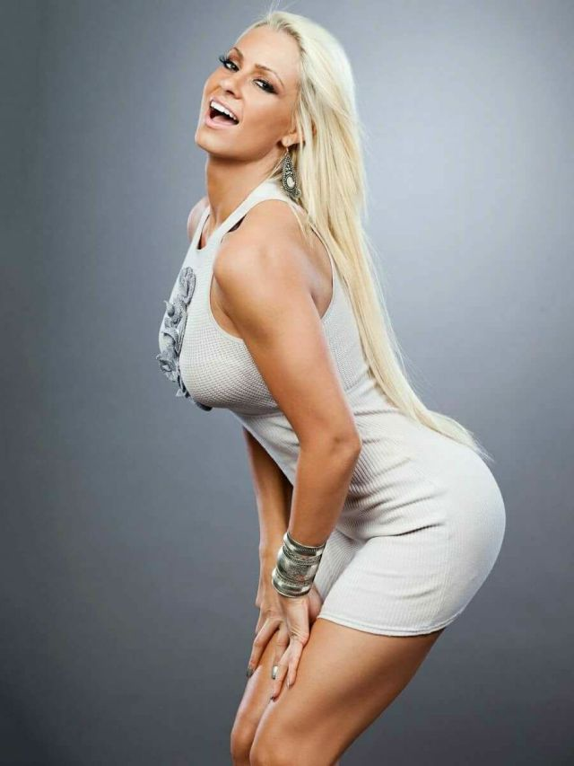 Maryse Ouellet hot side boobs