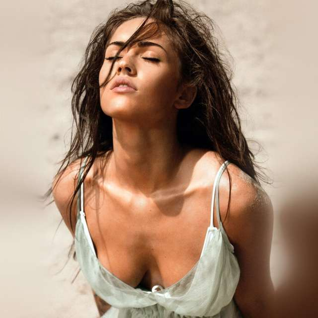 Megan Fox awesome clevage