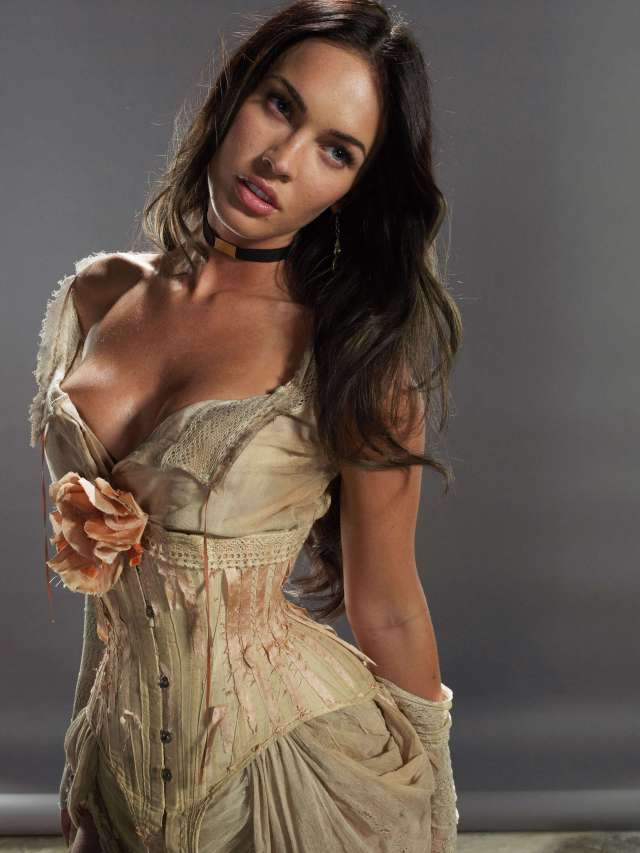 Megan Fox cleavages awesome
