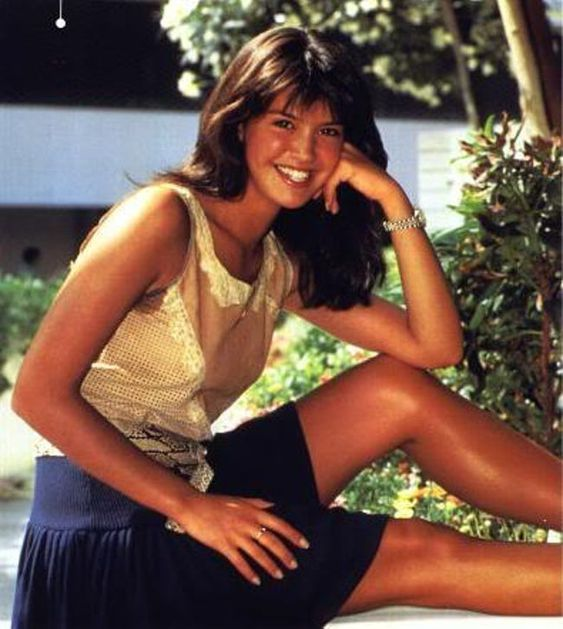 Phoebe Cates awesome thighs
