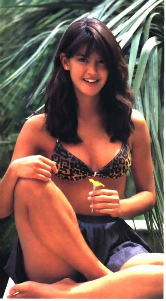 Phoebe Cates hot pictutres