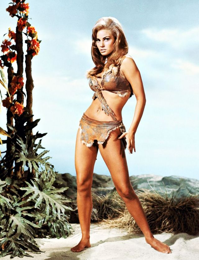 Raquel Welch sexy and hot pic
