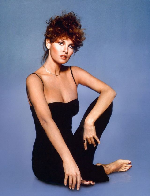 Raquel Welch very hot pic