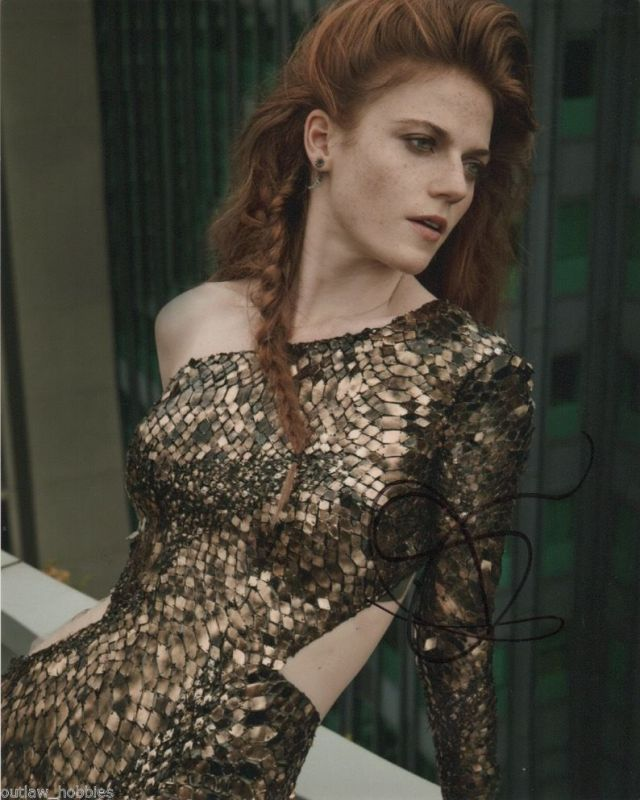 Rose Leslie hot and sexy