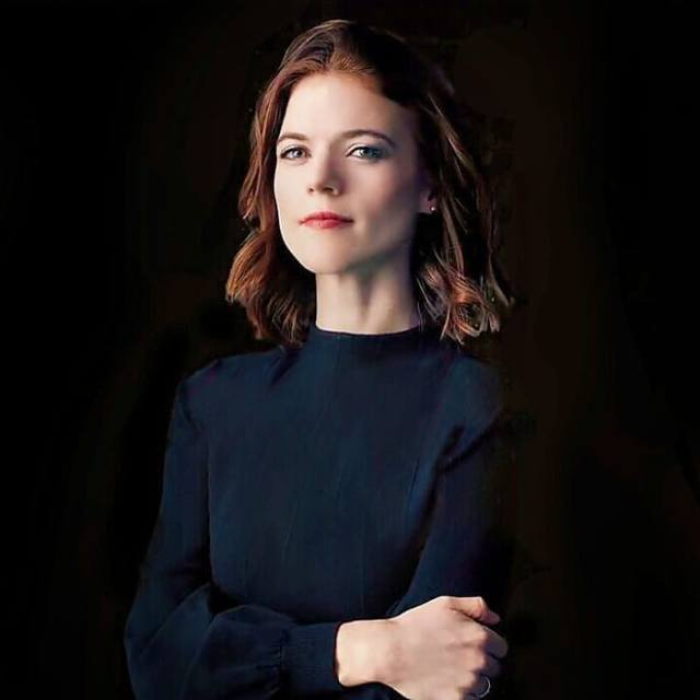 Rose Leslie sexy lady picture