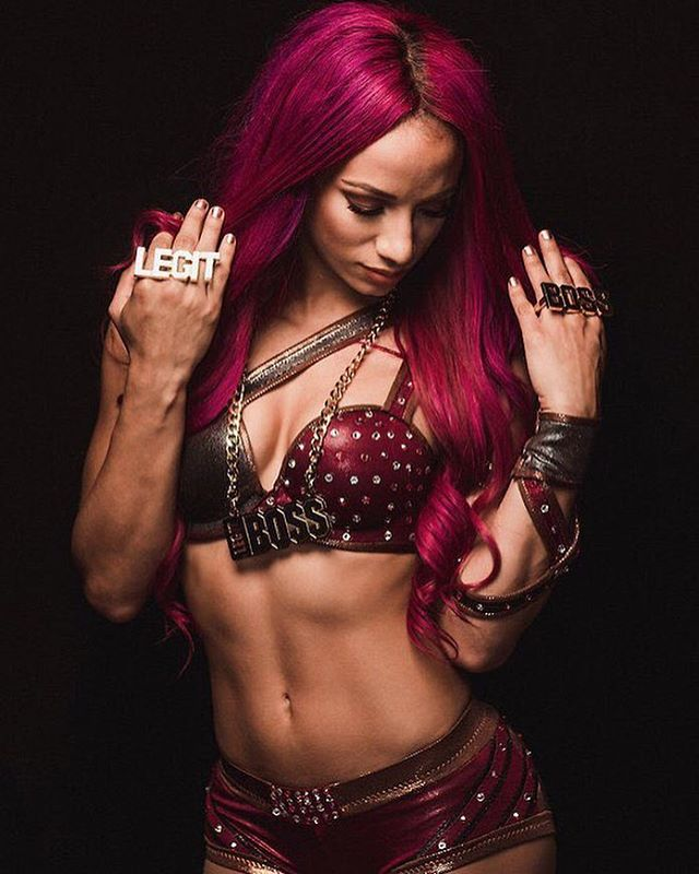 Sasha Banks Hot