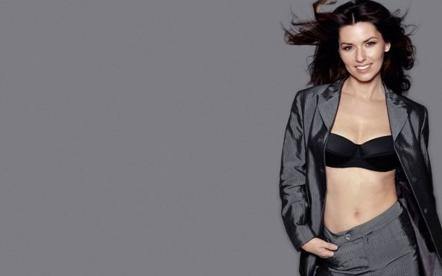 Shania Twain cleavages awesome pic