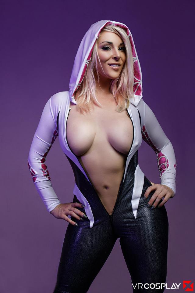 Spider Gwen cleavages awesome