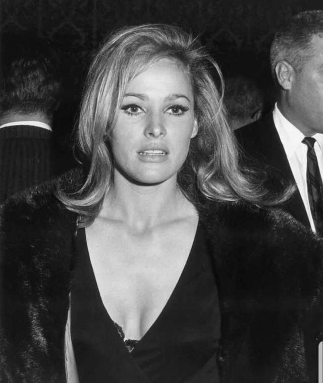 Ursula Andress hot cleavages pic