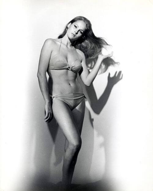 Ursula Andress hot nude pic
