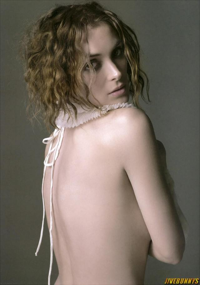 WINONA RYDER sexy backless pic