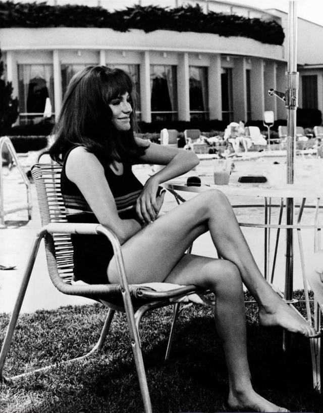 jacqueline-bisset legs awesome pics