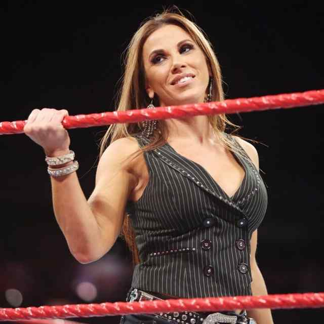 mickie james cleavages awesome pic