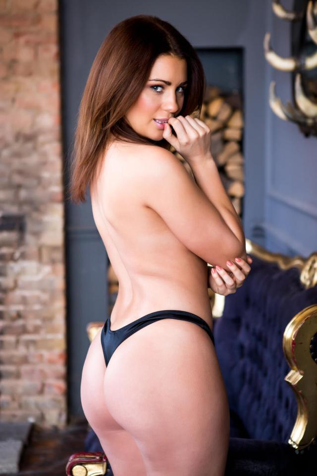 04-Holly-Peers-ass