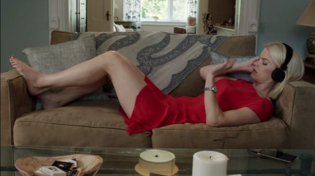 Alice Eve thighs hot