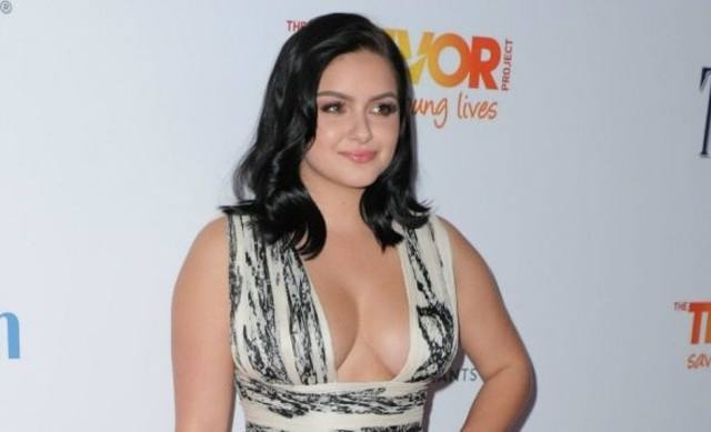 Ariel Winter sexy and hot picture