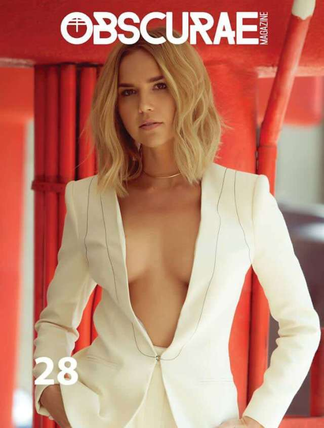 Arielle Kebbel awesome pics