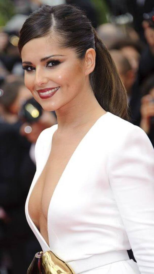 CHERYL COLE sexy side look