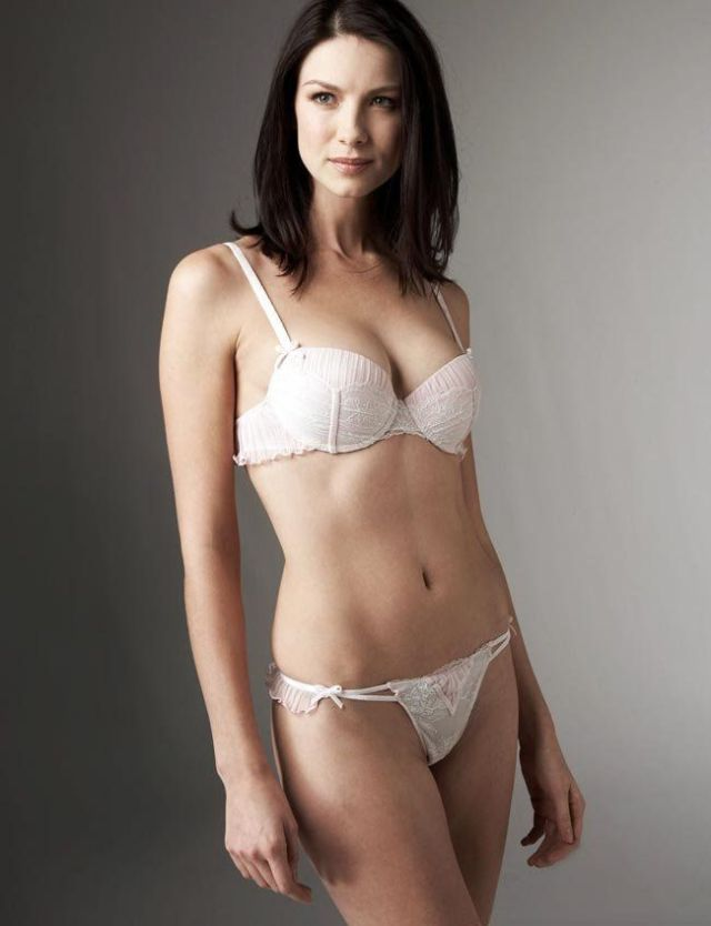 Caitriona Balfe sexy and hot picture