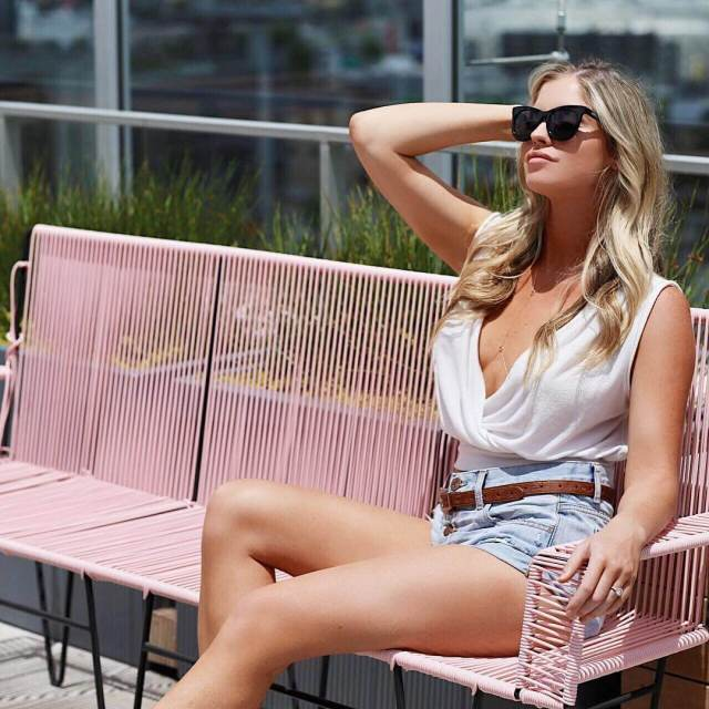 Carly Lauren awesome thighs