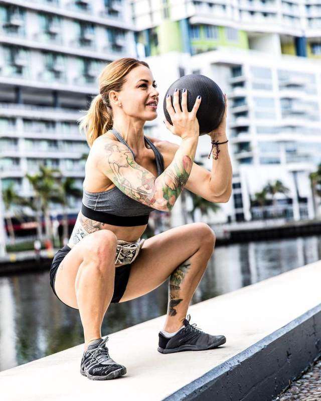 Christmas Abbott sexy pictures (2)