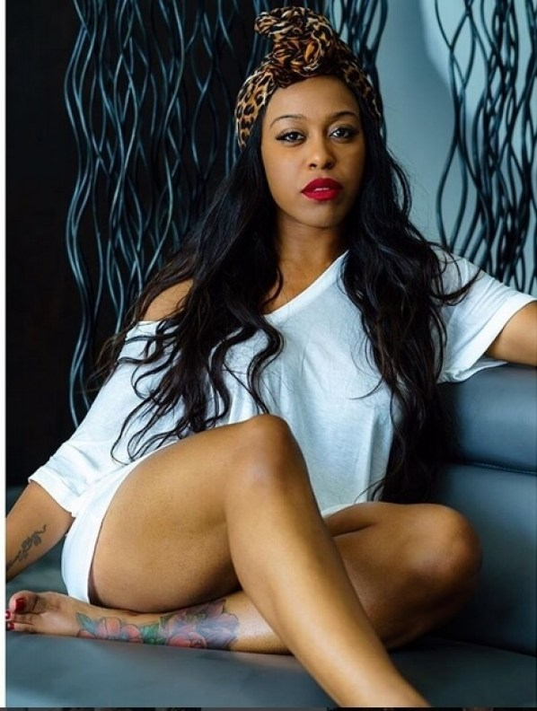 DomiNque Perry sexy pictures