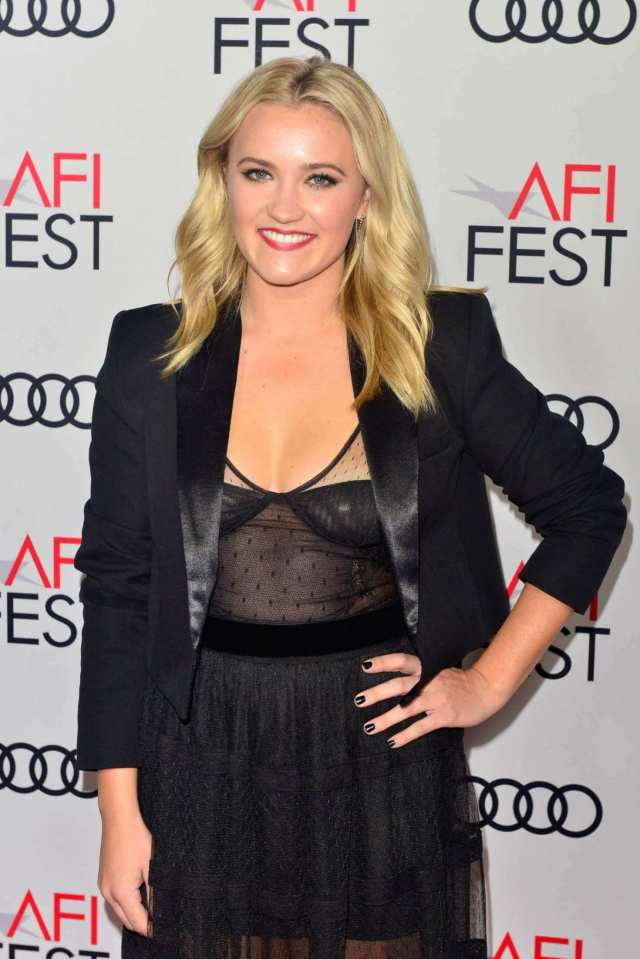 Emily Osment sexy cleavages pictures