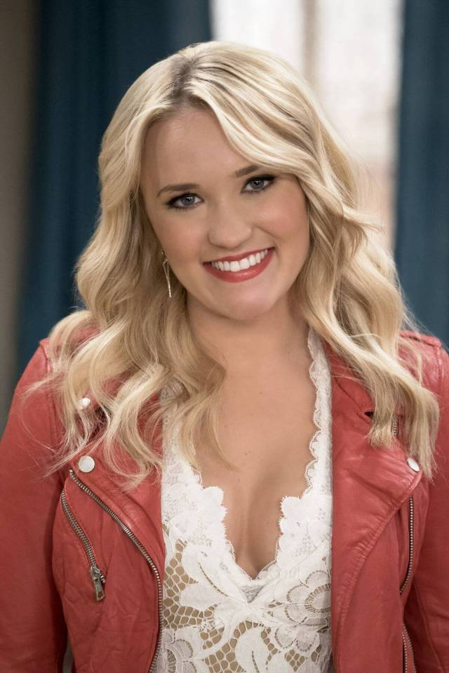 Emily Osment sexy picture (2)