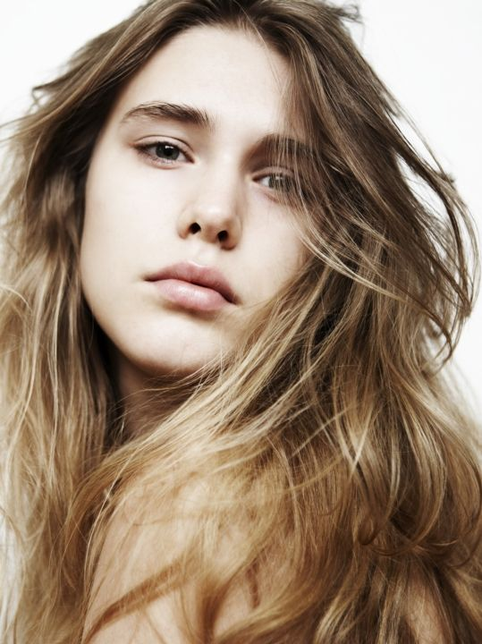 Gaia Weiss hot picture