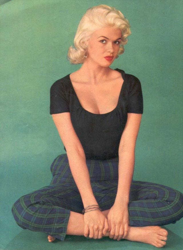 Jayne Mansfield hot busty pic (2)