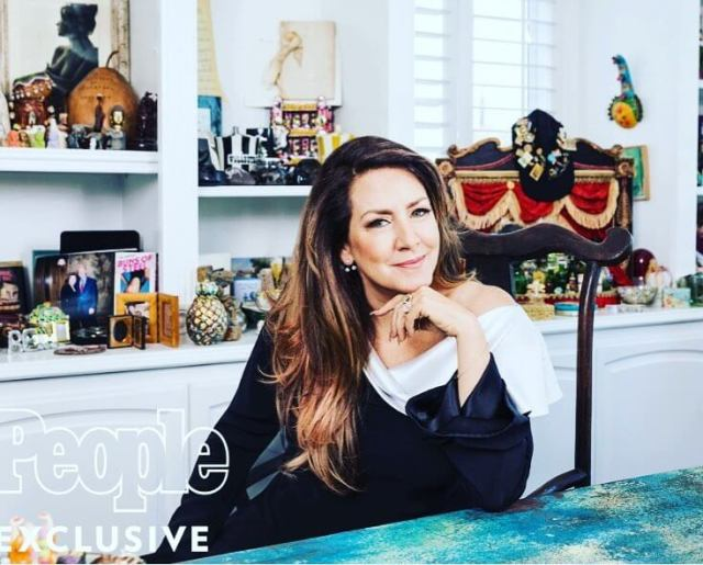 Joely Fisher awesome pic