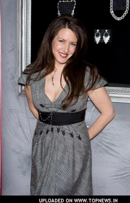 Joely Fisher hot dress