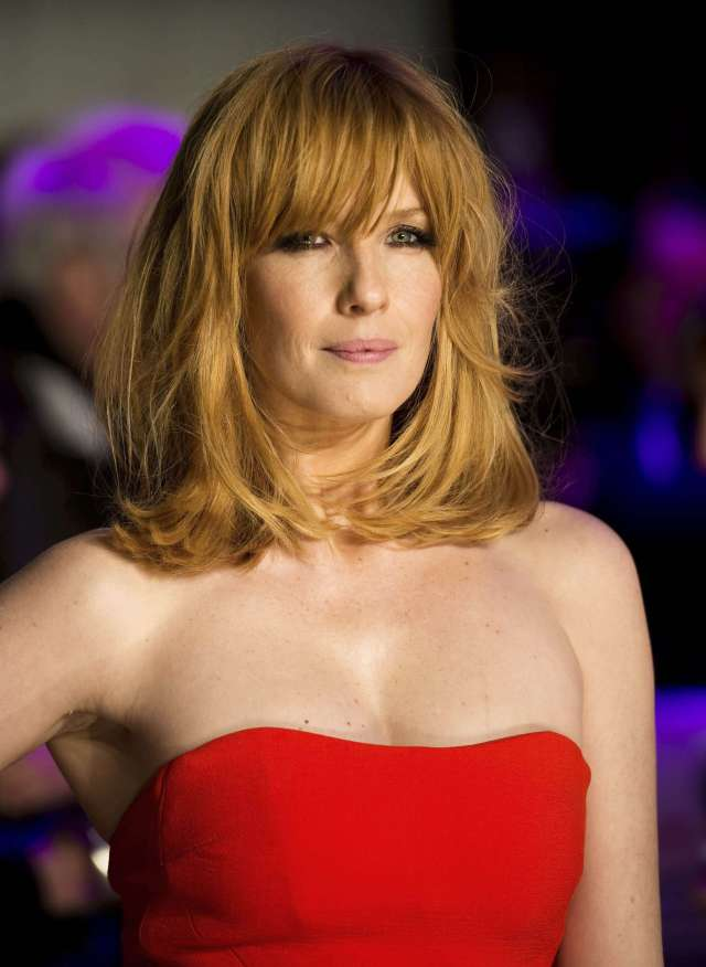 Kelly Reilly hot red