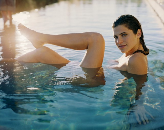 Lake Bell sexy pic