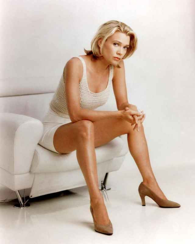 Laurie Holden sexy picture