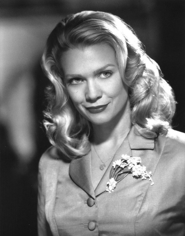 Laurie Holden too sexy pic