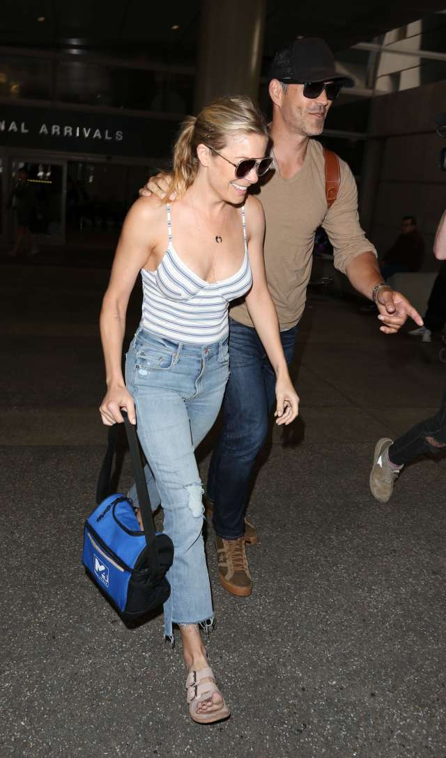 LeAnn Rimes cleavages awesome