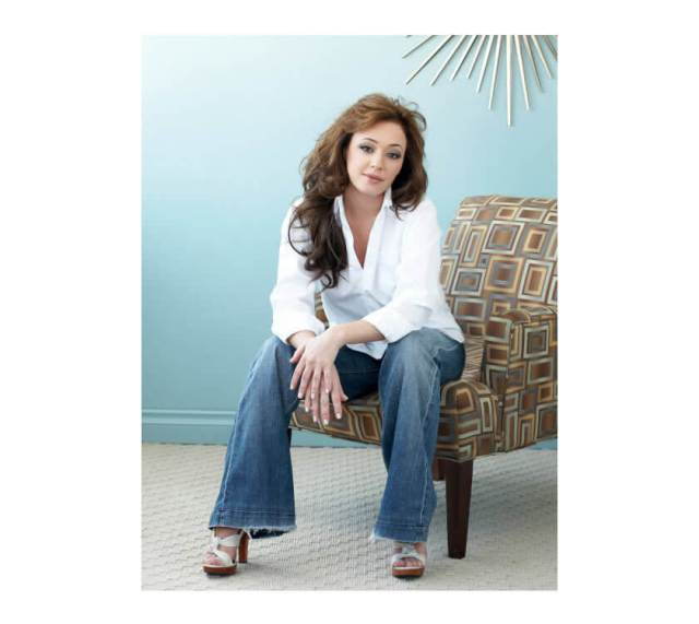 Leah Remini awesome pic (2)