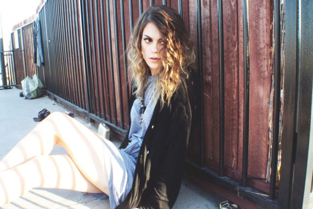 Lindsey Shaw sexy lady pic
