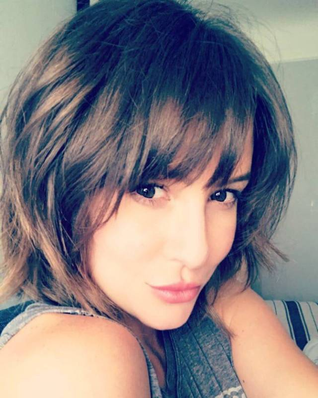 Linsey Godfrey sexy pic