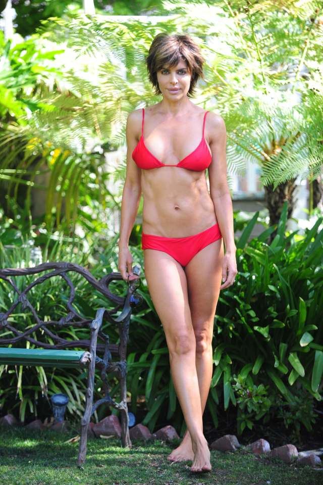 Lisa Rinna red bikini